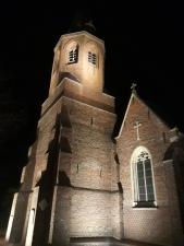 Oekene Kerk 's avonds